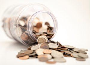 słoik z monetami