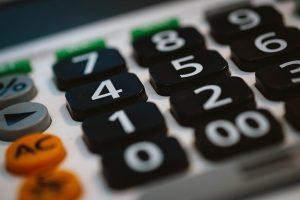 Przyciski na kalkulatorze